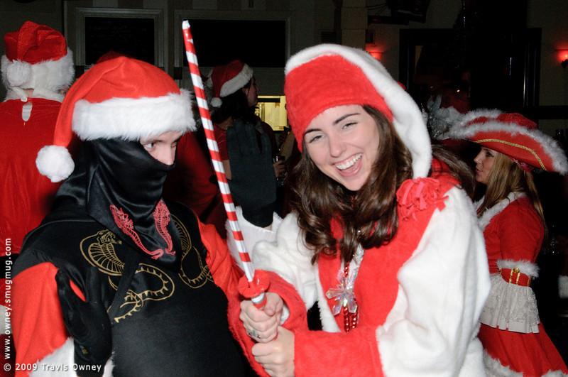 2009 ALS Santa Crawl-96.jpg