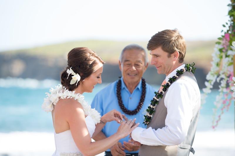 gillin beach kauai wedding-104.jpg