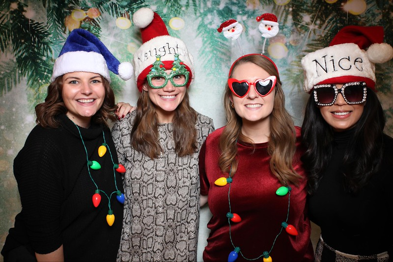 2019UniversityOfChicagoLawSchoolHolidayParty35.jpg