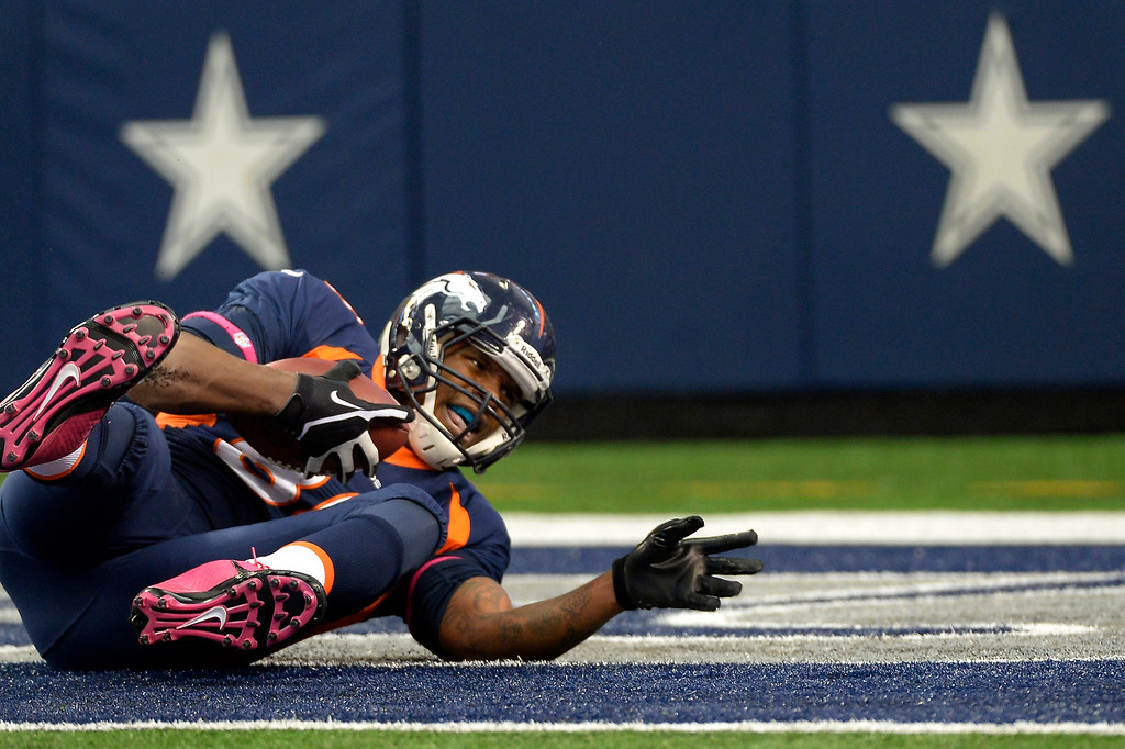 . Tight end Julius Thomas #80 of the Denver Broncos makes the score 20-17 in the 2nd quarter against the Dallas Cowboys. (Photo By Joe Amon/The Denver Post)