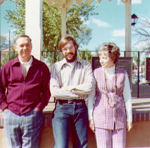 Albuquerque, Oct.,1972, Wayne, Dave & Bonnie.jpg