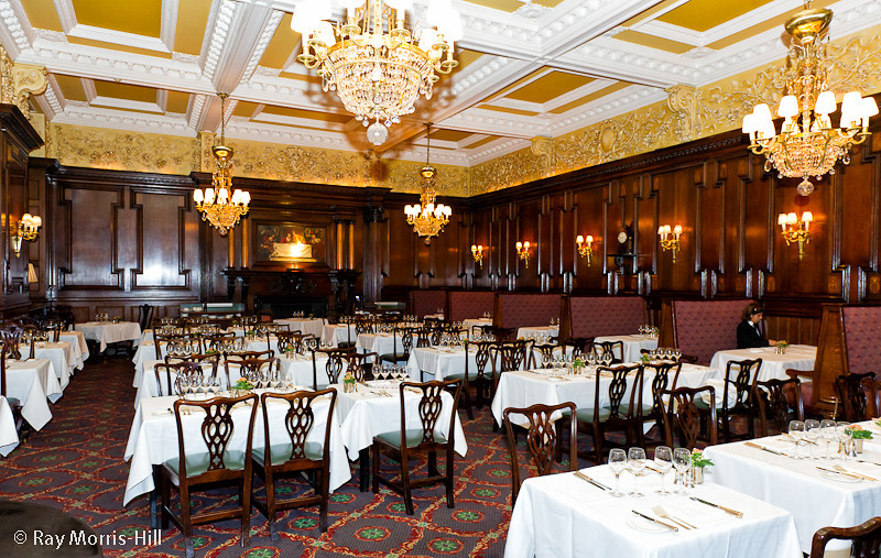 The main dining room of Simpson's-in-the-Strand