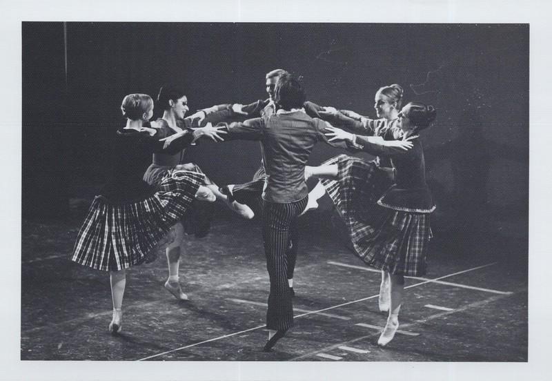 Dance_1066.jpg