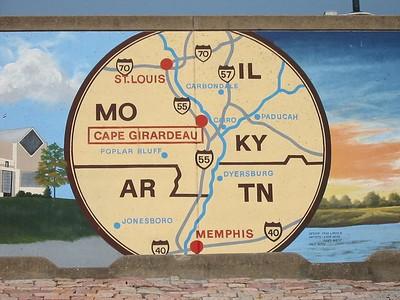 6) Cape Girardeau floodwall mural