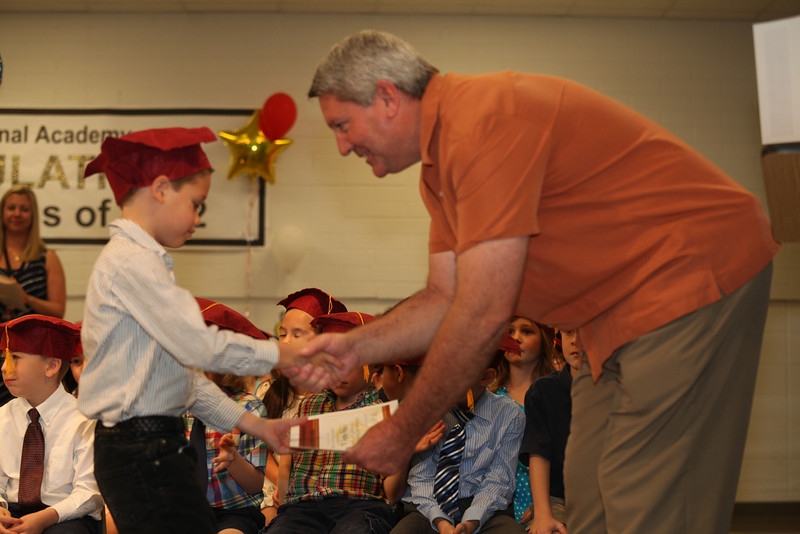 2012May18_MTA Kinder Grad_9694.JPG
