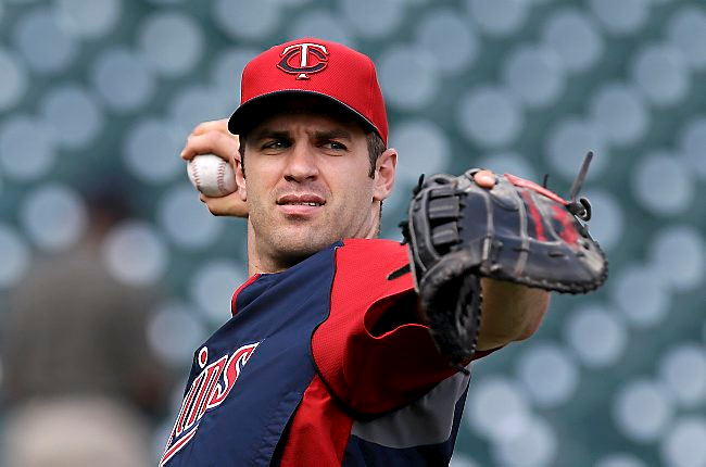 ". <p>5. (tie) JOE MAUER <p>Knocked so senseless by a foul ball, he momentarily thought Twins were still in pennant race. (unranked) <p><b><a href=\'http://www.twincities.com/twins/ci_23903583/minnesota-twins-joe-mauer-scratched-from-lineup-dizziness\' target=""_blank\""> HUH?</a></b> <p>    (AP Photo/Paul Sancya)"