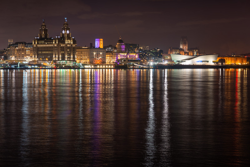 Liverpool Waterfront and Amazing Colours on the River Mersey