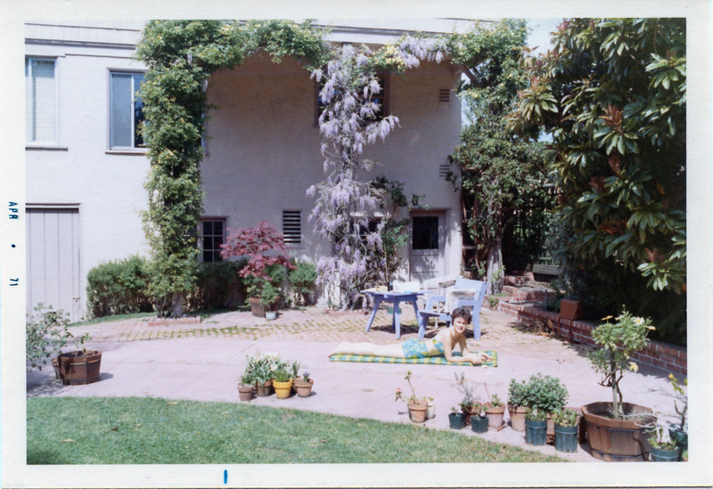 1971-04 Back of Bonnie Lane Before Porch.jpg