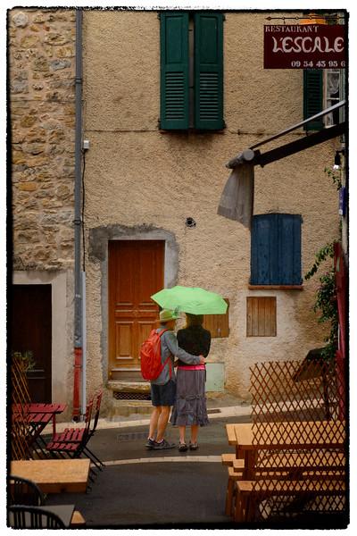 eric and jen in the rain - Copy.jpg