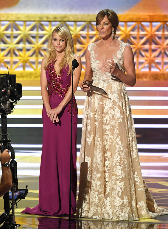 . LOS ANGELES, CA - SEPTEMBER 17:  Actors Anna Faris (L) and Allison Janney speak onstage during the 69th Annual Primetime Emmy Awards at Microsoft Theater on September 17, 2017 in Los Angeles, California.  (Photo by Kevin Winter/Getty Images)