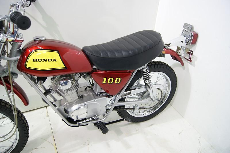 1972SL100 7-11 010.JPG
