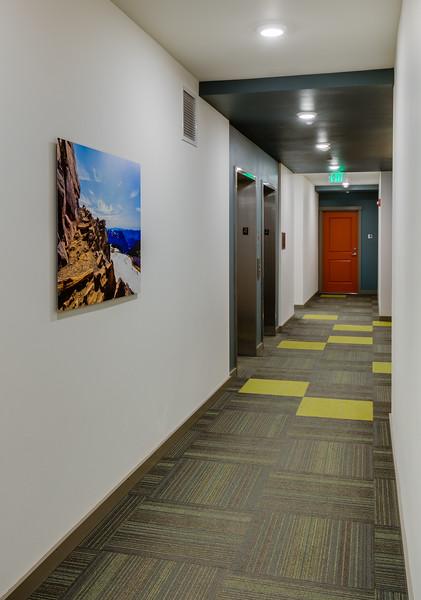 Corridor-IMG_0887_enf.jpg