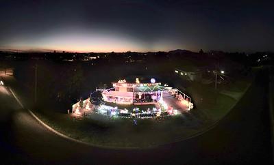 Jason and Felica Burridge Christmas Lights 2017