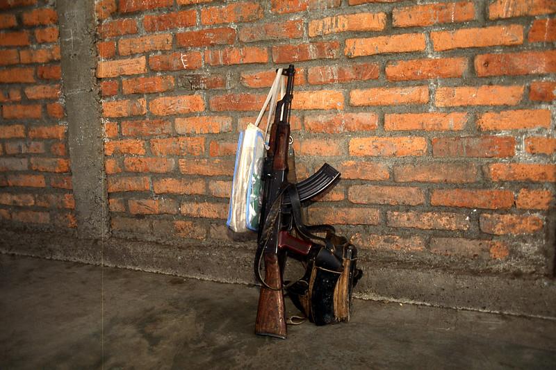 gunwschoolbag.jpg