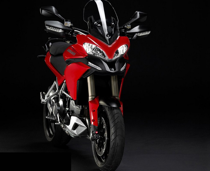 It appears that some people are not too keen on the Multistrada 1200's nose or beak (air intakes). Photoshop image from MotoBlog.it -  http://www.motoblog.it/post/21780/ducati-multistrada-1200-e-se-non-avesse-il-naso&anno=2