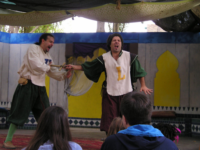 Renaissance Pleasure Faire, Hollister 2006: Marlowe's Shadow does 5 Shakespeare plays in 20 minutes: Hamlet and Laertes do each other in.