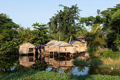 Canalside living near Thaton