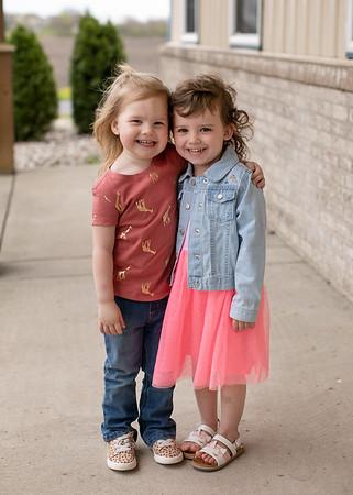 Kid Country - Alice & Sophia