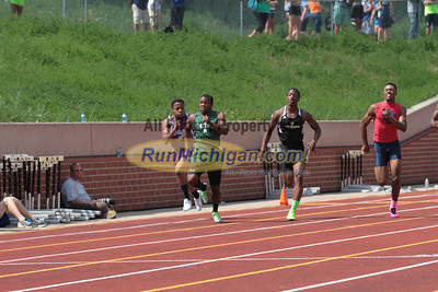 D1 Boys' 200 Meter Finals - 2014 MHSAA LP T&F Finals
