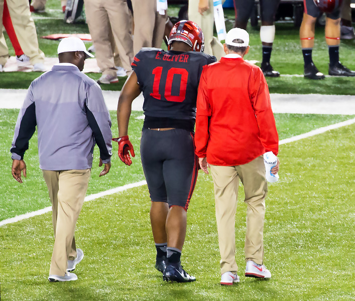 Trouble!  Ed Oliver has a sprained knee.