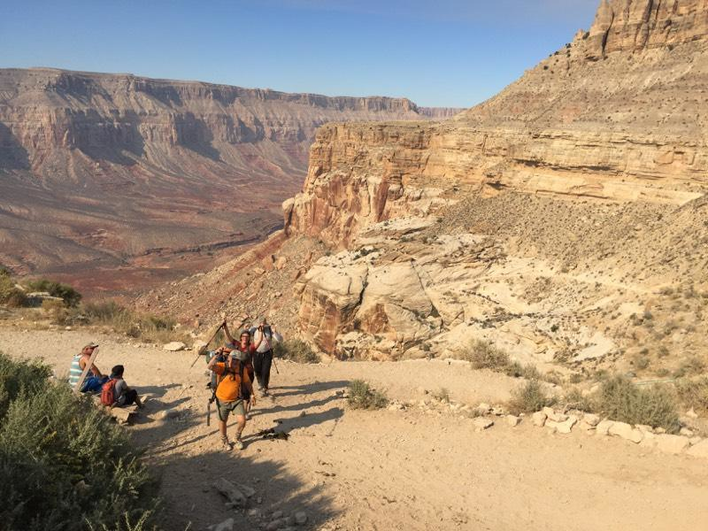 Going back - Approaching Hualapai Hilltop (5,200 ft)