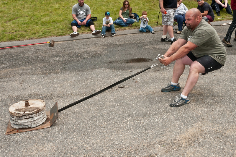 Fitness Revolution Strongman Challenge 2011_ERF4193.jpg
