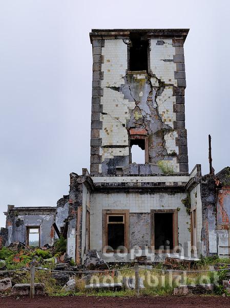 Aufgelassener Leuchtturm, vom Erdbeben zerstört, Riberhina, Faial, Azoren, Portugal