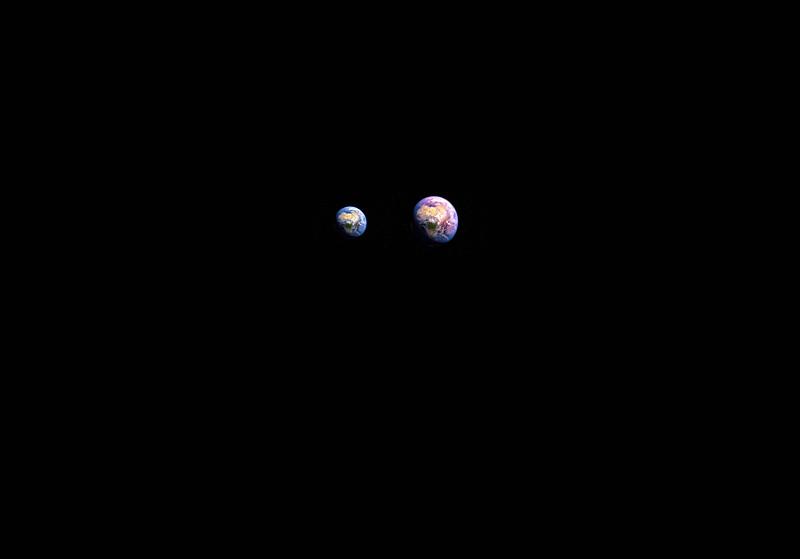 1 ssmall blue earth + 1larger red .jpg