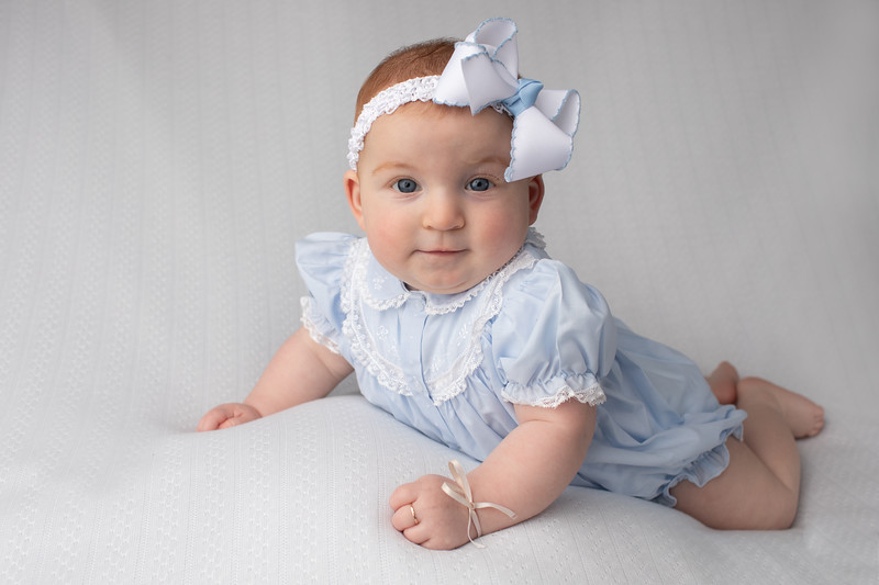Elizabeth's 6 month Session-6.jpg