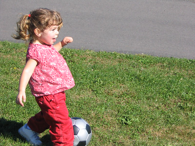 October 3-12 2004 photos (Hailey plays soccer at UMass, pretends to be a quarterback princess. Then she heads to Boston to celebrate Mom's birthday!)