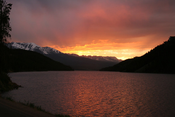 ARAPAHO NATIONAL FOREST-SUNSET AT LAKE DILLON COLORADO