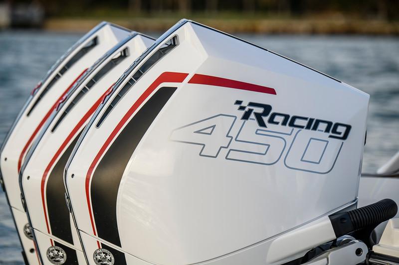 2020-SLX-R-400-e-Outboard-racing-engines-002.jpg