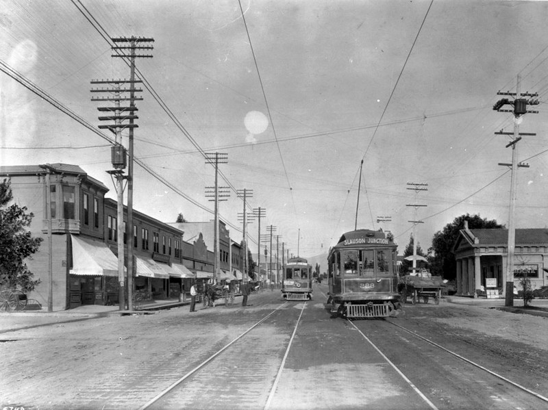 Pasadena Avenue (formerly North Figueroa Street) in Highland Park, looking north, Los Angeles, 1915
