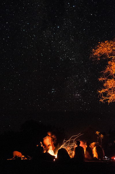 2010-31 Nhangombe - Fire under the southern cross.