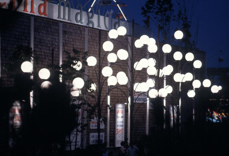 NS_14-1 : Dispositif d'éclairage, Parc d'attraction La Ronde, 1967