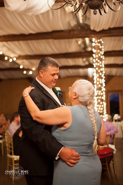 CRPhoto-White-Wedding-Social-533.jpg