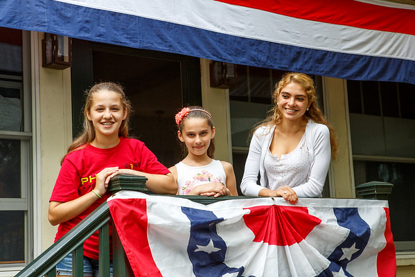 4th of July - Ficon Girls