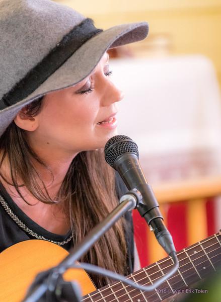 Sangen fra Havet - Maria and Villy Solheim in Nyksund Chapel 26. july 2016