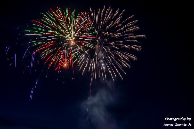 Fourth-of-July-Fireworks-2016-0345.jpg