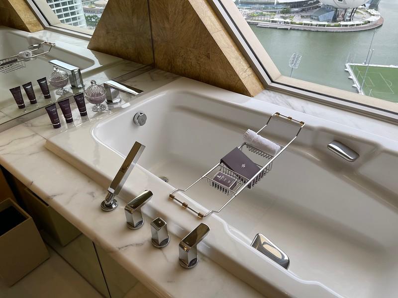 Ritz-Carlton Singapore Club Deluxe Marina Bathroom