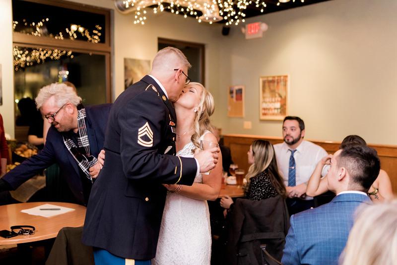 diane-ron-hughes-metro-detroit-wedding-0225.jpg