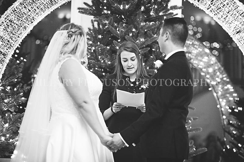 Hillary_Ferguson_Photography_Melinda+Derek_Ceremony104.jpg