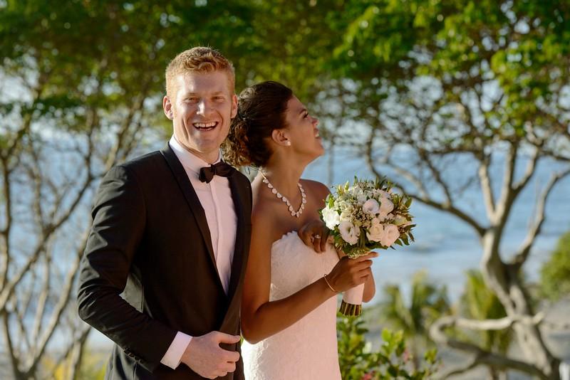 Michelle-Hans-3-Newlyweds-25.jpg