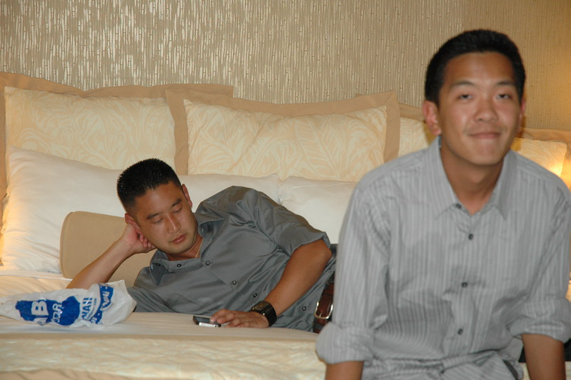 Hawaii - Friends Hotel Party-10.JPG