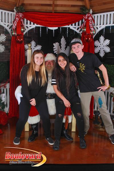 Santa 12-10-16-396.jpg
