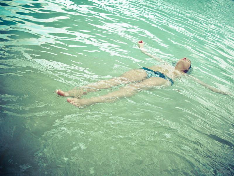 20110226Kitty in the Sea8862.jpg