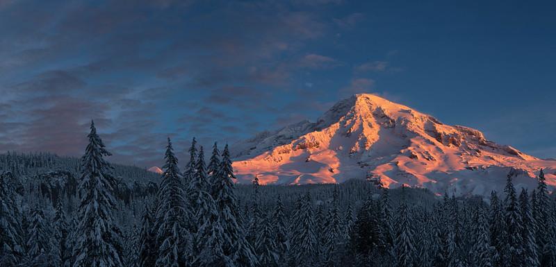 Alpenglow, Mt Rainier National Park