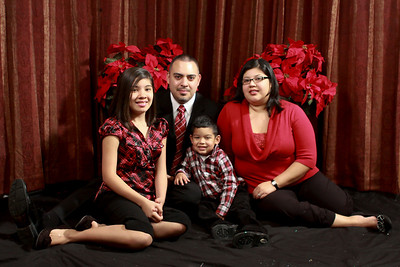 The Villarreal's 2010 Christmas photo session