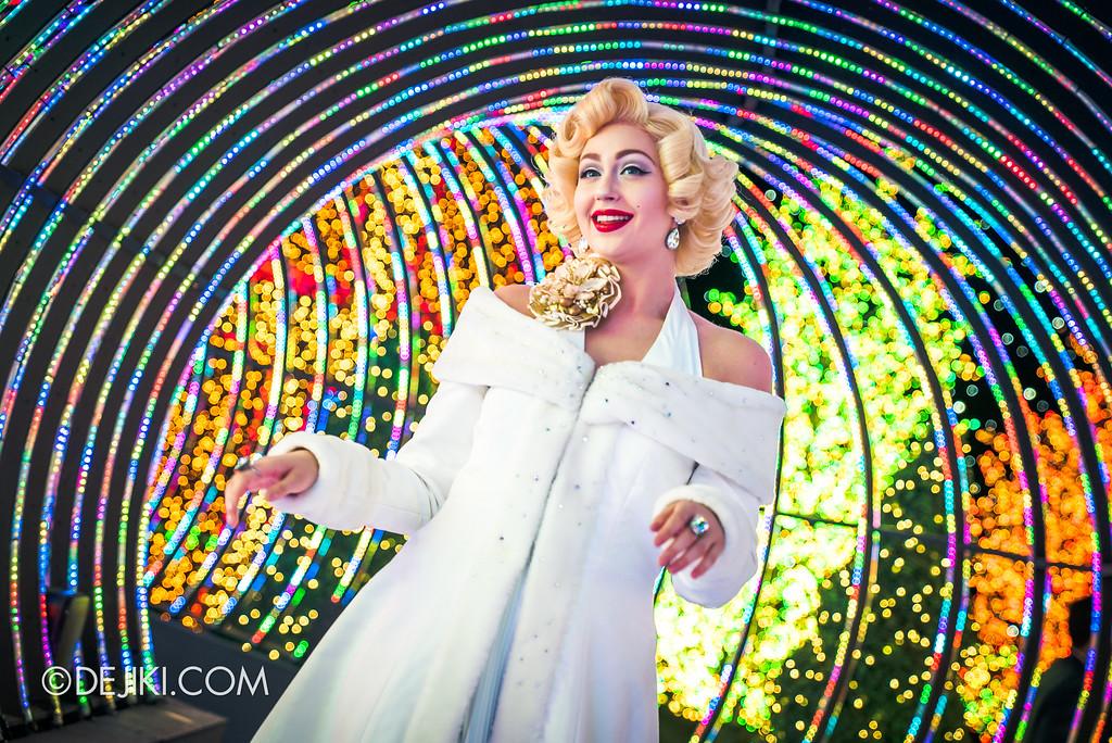 Universal Studios Singapore - Santa's All-Star Christmas 2016 / The Universal Journey Marilyn Monroe