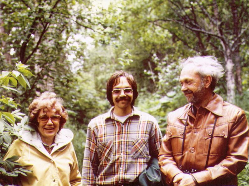 Bonnie,Dave,Wayne nr Hope,Alaska 1980 .jpg